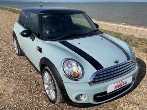 £6,982 Mini 1.6 Cooper 3dr Ice Blue / Baby Blue, Full Leather, 17'' Alloys FSH