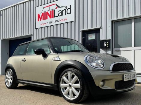 £4,982  Mini 1.6 Cooper S 3dr with Full Leather, Panoramic Sunroof 17'' Alloys