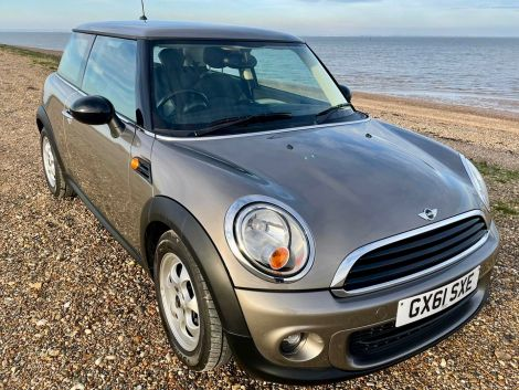 £6,982 Mini 1.6 One 3dr Auto with Full Black Leather, FSH, very rare car