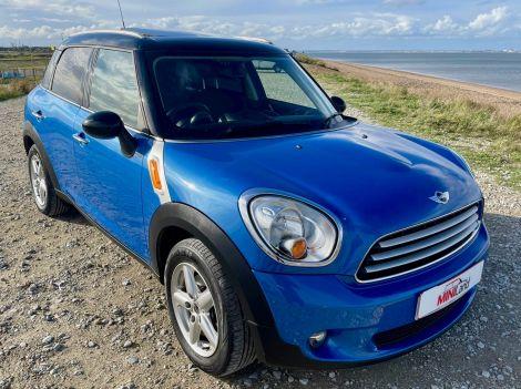 £9.982 MIni 1.6 Cooper Countryman 5dr Auto, Panoramic Sunroof, FSH, Sat Nav