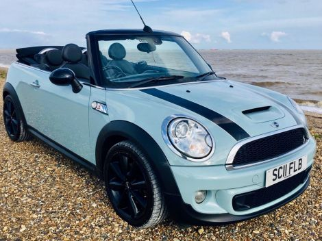 £6,982 Mini Cooper S Convertible Finished in Ice Blue with Full Leather
