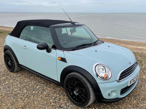 £5,892  Mini One 1.6 Convertible in Ice Blue