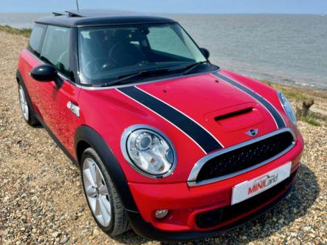 £7,982 Mini 1.6 Cooper S 3dr Red, 2011, Sunroof, Full Leather, 1 Owner, FSH