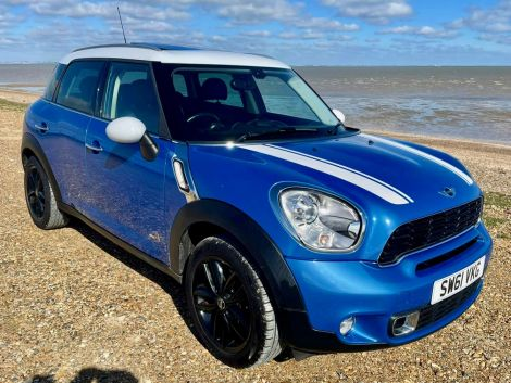 £8,982 Mini Countryman 1.6 Cooper S ALL4 5dr Auto, FSH, Leather, Panoramic Sunroof