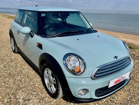 £5,482 Mini 1.6 One 3dr Pepper pack on 62 Plate