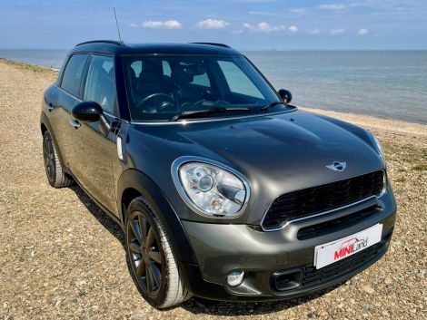 £9,982 Mini Countryman 1.6 Cooper S ALL4 5dr Auto, FSH, Leather, Panoramic Sunroof