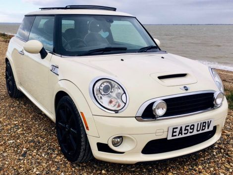 £6,482 Mini Cooper S Auto 1.6 with Full Lounge Leather and Panoramic Sunroof