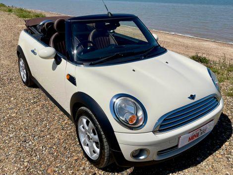 £5,982 Mini 1.6 Cooper [122] 2dr Convertible White, Full Leather, 2010, FSH