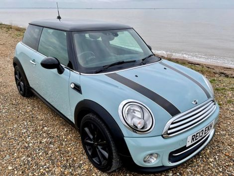 Mini 1.6 Cooper 3dr in Ice Blue, with FSH, Air Con and Alloy Wheels