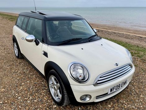 £6,982 Mini 1.6 Cooper Clubman 5dr Auto with Panoramic Sunroof, Leather, Sat Nav