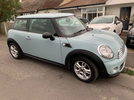 £5,972   Mini One 1.6 Pepper Pack in Baby / Ice Blue